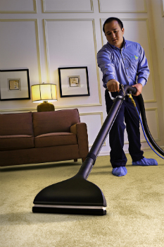 Chicago Carpet Cleaning Pros Return Carpets to Snowy White