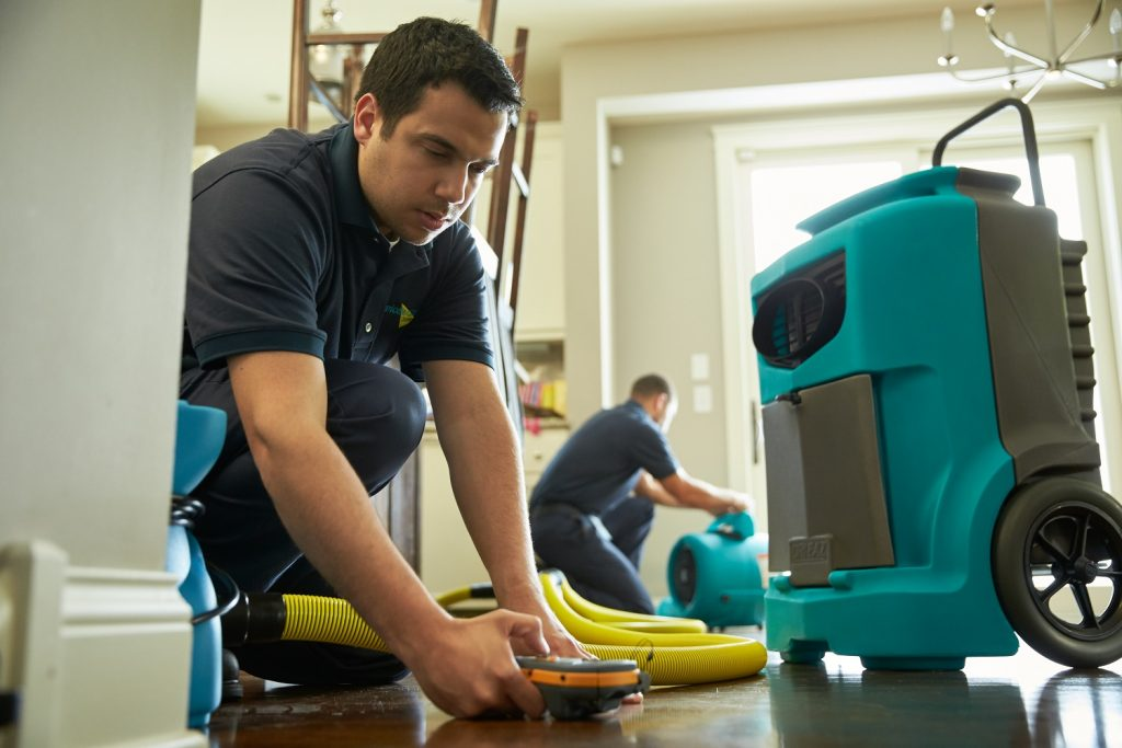 North Center Water Damage Restoration - Chicago IL - ServiceMaster Restoration By Simons