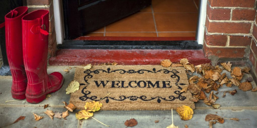 The Exhaustive Fall Cleaning Checklist for Homeowners